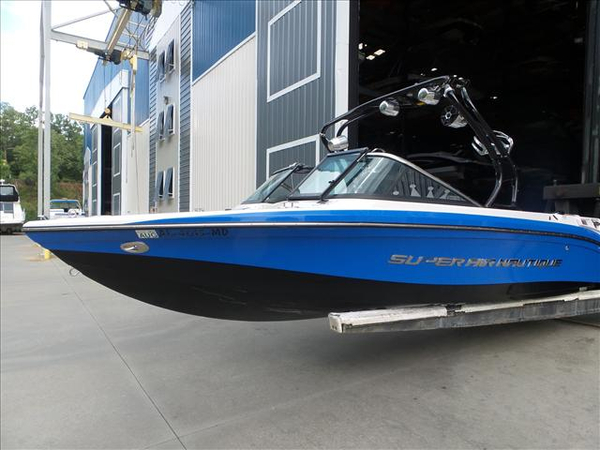 Used Nautique 210 Ski and Wakeboard Boat For Sale