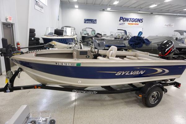2002 used sylvan 16 sea monster freshwater fishing boat for Sylvan fishing boats