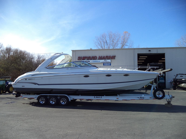 Used Formula 370 SS Ski and Fish Boat For Sale
