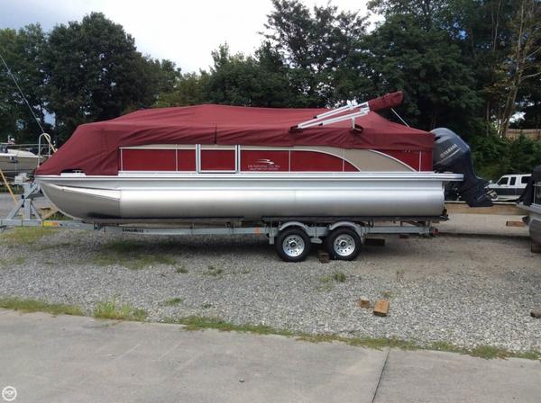 Used Bennington 22 SSX Saltwater Series Pontoon Boat For Sale