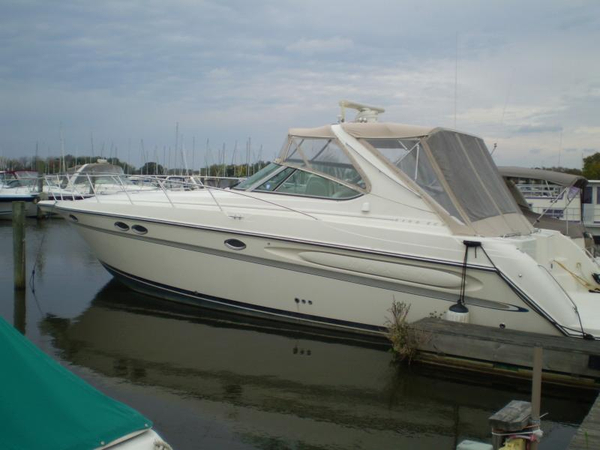 Used Maxum 4100 SCR Motor Yacht For Sale