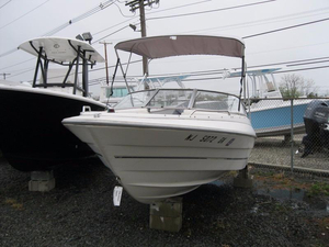 Used Bayliner CAPRI 185 Bowrider Boat For Sale