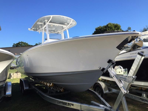 New Sea Hunt Gamefish 27 with Coffin Box Center Console Fishing Boat For Sale