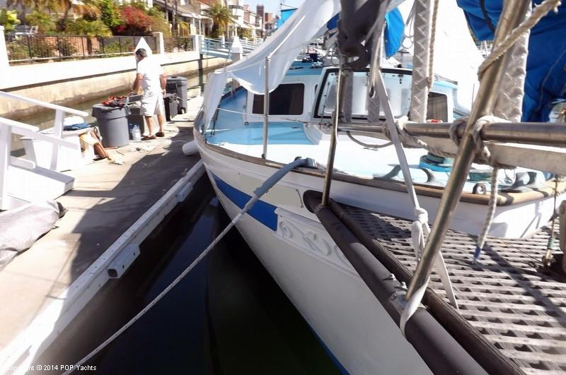 1976 used island trader freeport 41 motorsailer sailboat for Freeport fishing boats