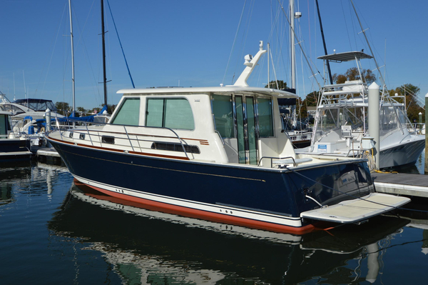 New Sabre 42 Salon Express Cruiser Boat For Sale