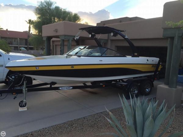 Used Malibu V-Ride Ski and Wakeboard Boat For Sale