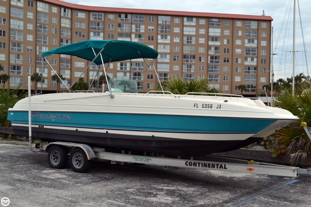 Used Bayliner 2609 Rendezvous Deck Boat For Sale