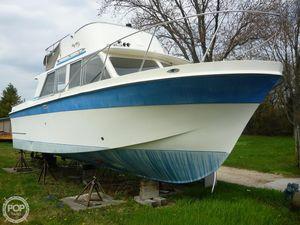Used Uniflite 31 Sport Sedan Sports Fishing Boat For Sale