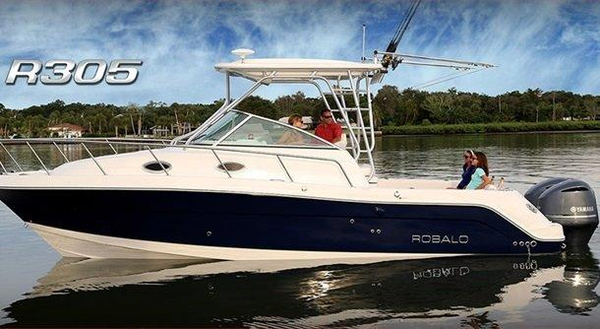 New Robalo 305 R Walkaround Fishing Boat For Sale