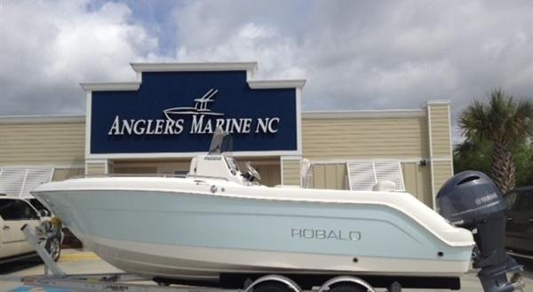 New Robalo 222 Center Console Center Console Fishing Boat For Sale