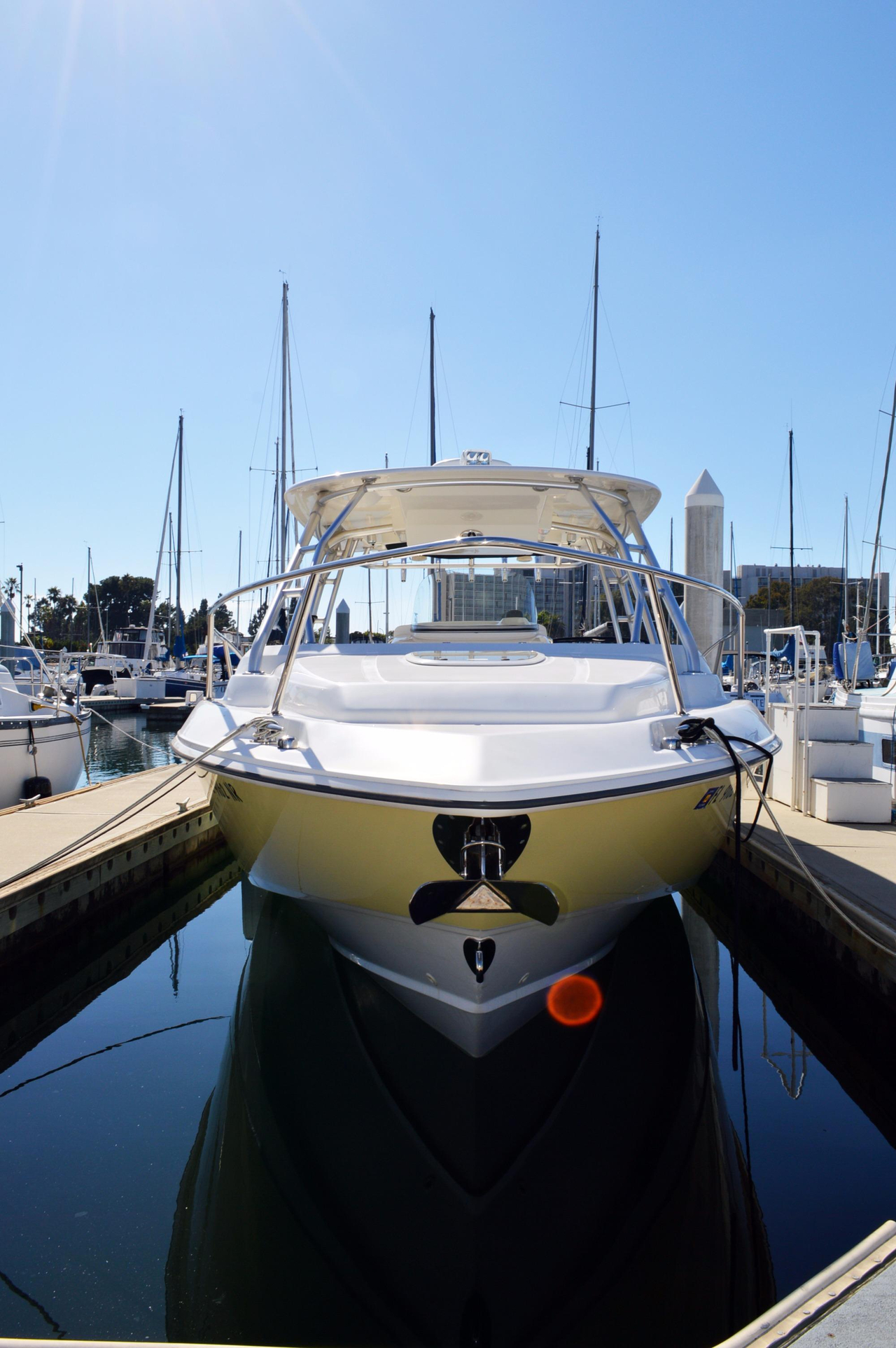 2008 used boston whaler 320 outrage cuddy cabin saltwater for Fishing boats for sale san diego