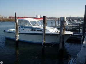 Used Uniflite 28 Salty Dog Express Cruiser Boat For Sale