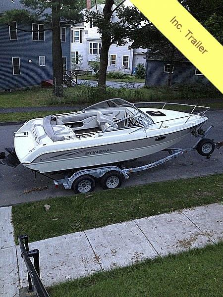 Used Stingray 220 CS Ski and Wakeboard Boat For Sale
