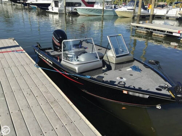 Used Tracker 16 Pro Guide V16 WT Bass Boat For Sale