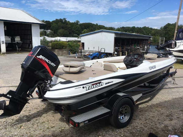 Used Triton TR 185 Freshwater Fishing Boat For Sale