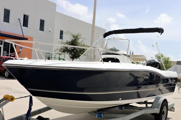 New Key Largo 2000 Center Console Center Console Fishing Boat For Sale