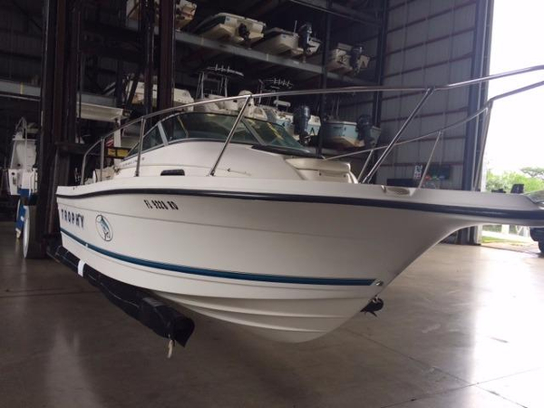 Used Bayliner Trophy 2052 WA Walkaround Fishing Boat For Sale