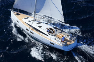New Jeanneau 51 Deck Saloon Sailboat For Sale