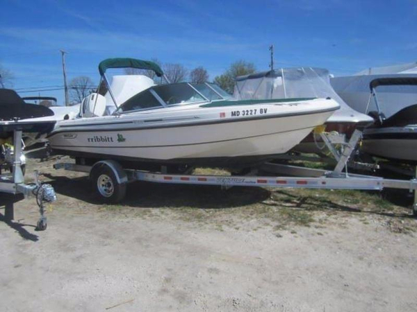 Used Boston Whaler 18 Ventura DC Dual Console Boat For Sale