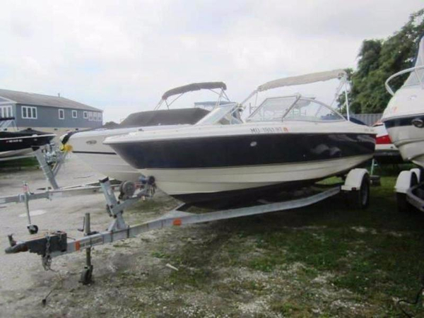 Used Bayliner 215 Classic Bowrider Boat For Sale