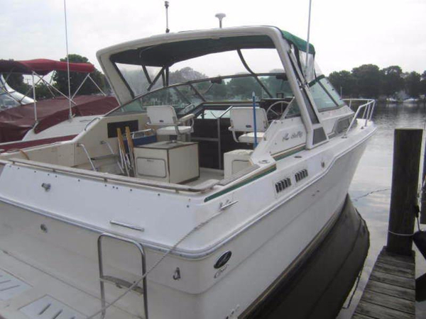 Used Sea Ray Weekender 300 Cruiser Boat For Sale