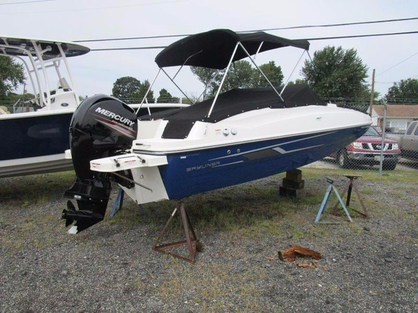 New Bayliner 190 Deck Boat Deck Boat For Sale