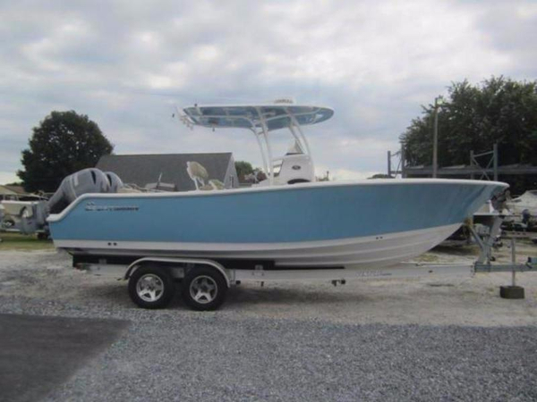 New Sportsman Open 252 Center Console Fishing Boat For Sale