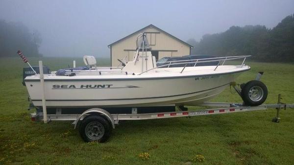 Used Sea Hunt 172 CC Triton Center Console Fishing Boat For Sale
