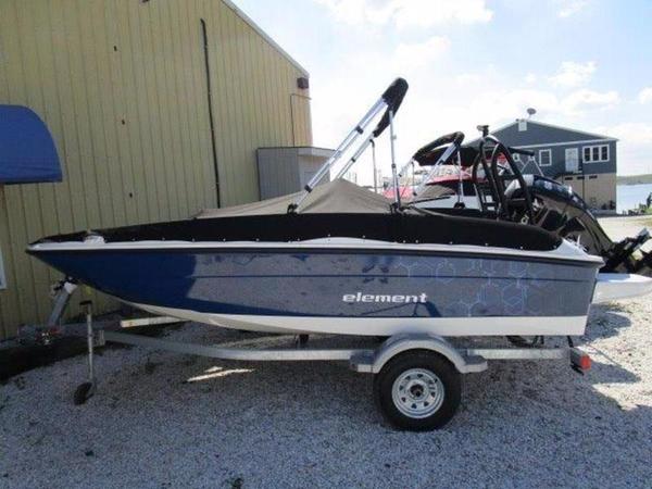 New Bayliner Element Deck Boat For Sale