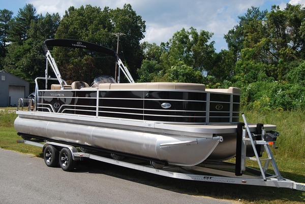 New Veranda V 2575 Pontoon Boat For Sale