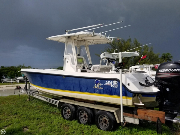 Used Sea Vee 260B Center Console Fishing Boat For Sale