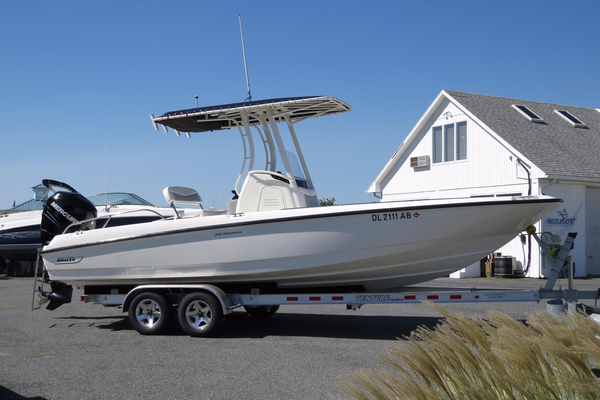 Used Boston Whaler 240 Dauntless Saltwater Fishing Boat For Sale