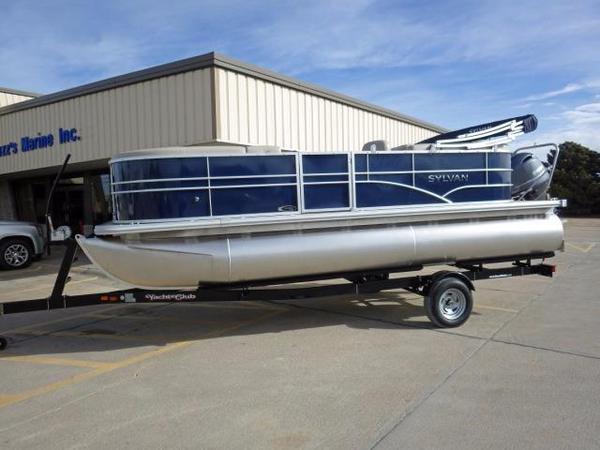 New Sylvan 8520 Mirage LZ Tri-Toon Pontoon Boat For Sale