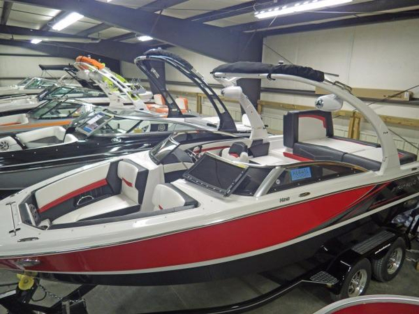 New Four Winns 210 Horizon Bowrider Boat For Sale