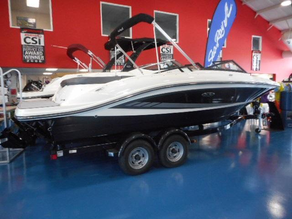 New Sea Ray 21SPX Bowrider Boat For Sale