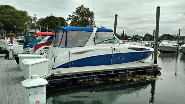 Used Bayliner International 325 Cierra Cruiser Boat For Sale