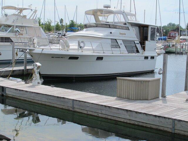 Used Carver Yachts 4207 Motor Yacht For Sale