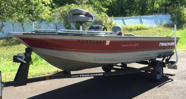 Used Tracker 16 V Super Guide Freshwater Fishing Boat For Sale