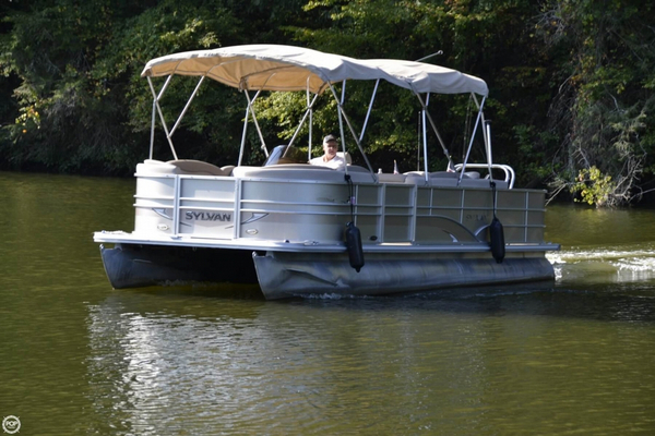 Used Sylvan mirage 8522 Pontoon Boat For Sale