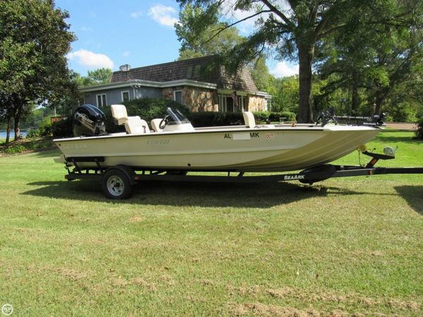 Used Sea Ark V CAT 200 Bass Boat For Sale