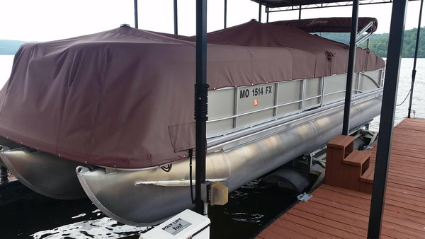Used Berkshire 251BP3 Pontoon Boat For Sale