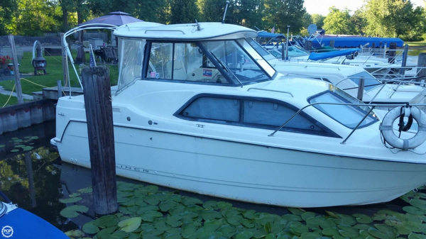 Used Bayliner 242 Ciera Classic Express Cruiser Boat For Sale