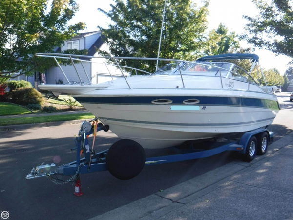 Used Larson Hampton 220 Runabout Boat For Sale