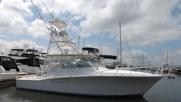 Used Cabo Yachts 40 Express Sportfish Cat C12 Express Cruiser Boat For Sale