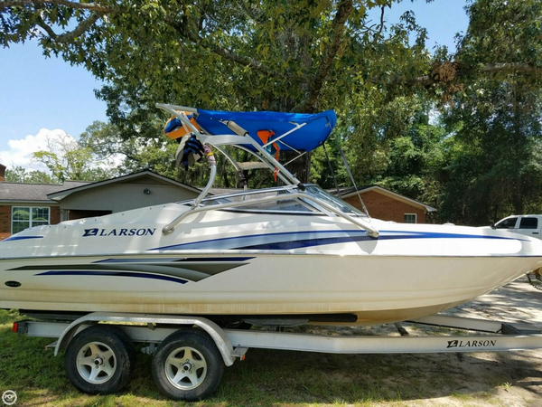 Used Larson Senza 206 Bowrider Boat For Sale