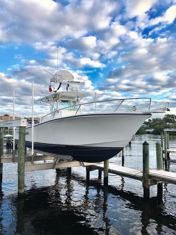 Used Regulator 32 Center Console Saltwater Fishing Boat For Sale