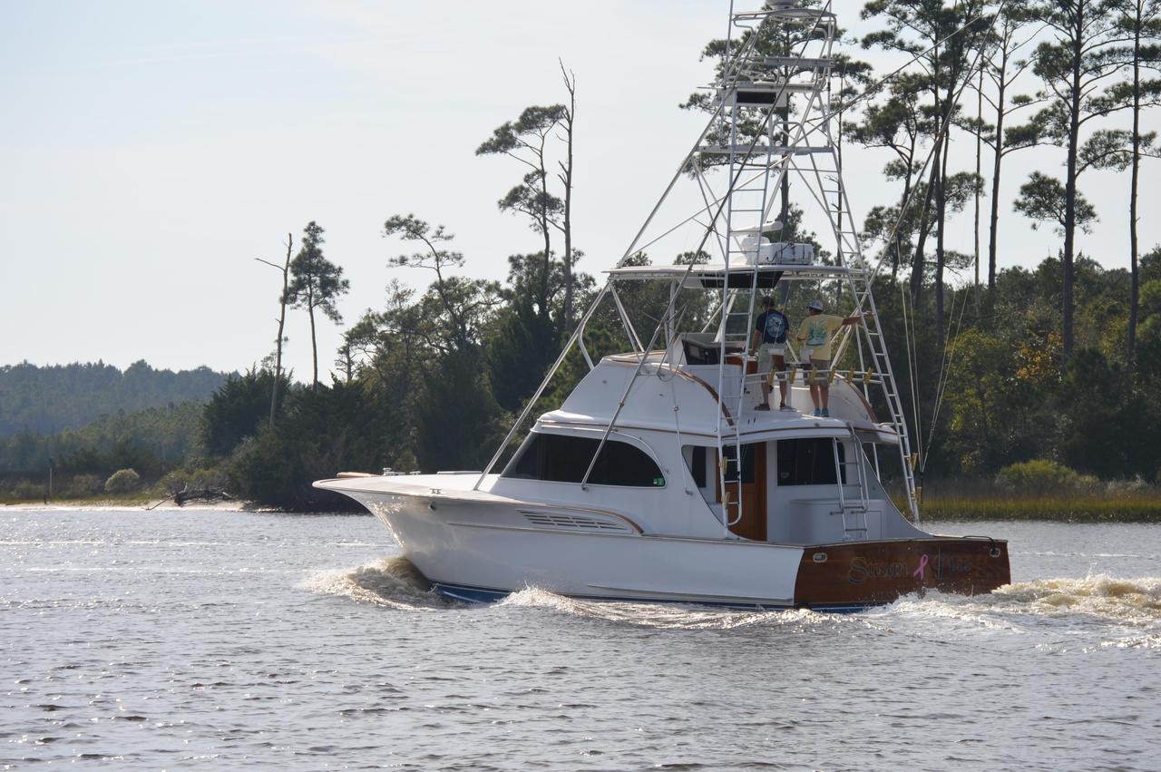 1990 used buddy davis sportfisherman sports fishing boat for Sport fishing boats for sale