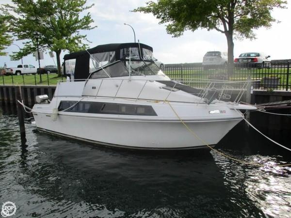 Used Carver Mariner 32 Express Cruiser Boat For Sale