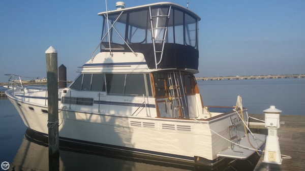 Used Bayliner 3818 Trawler Boat For Sale