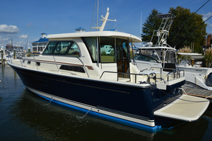 New Sabre Salon Express Cruiser Boat For Sale